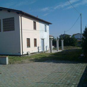 Ampia villa singola rifinita a rustico in san cassiano a vico