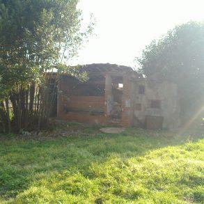 Casa colonica con capanne e 9.000 mq di terreno
