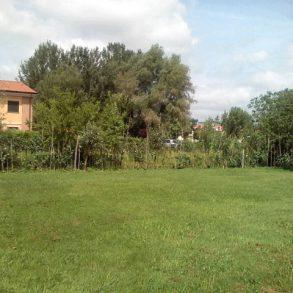 Casa di corte con terreno a San Donato
