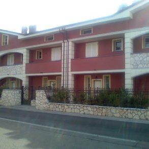 Grande villa a schiera con cantina ad Antraccoli