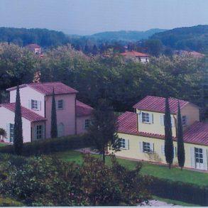 Grande villa con ampia taverna e terreno