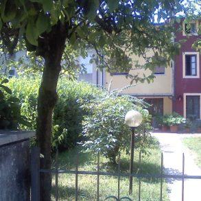 Casa di corte con giardinetto