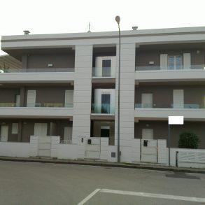 nuovo con 3 camere e terrazza di 45 mq vicinissimo centro
