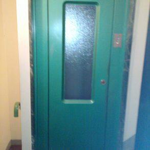 Ampio appartamento con balcone e ascensore