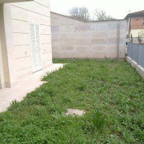 Appartamento con giardino su 3 lati