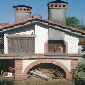 Villa con 2 unità e ampio giardino