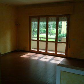 Appartamento in ottimo residence con ampio parco condominiale e piscina