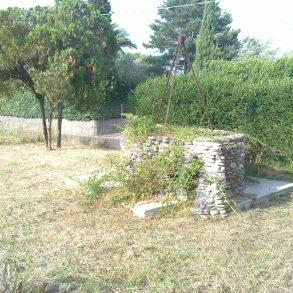 Ampio rustico con giardino privato