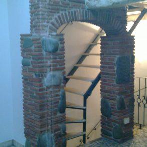 Centrale di corte ben ristrutturato a rustico