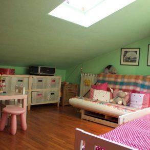 Appartamento mansardato con balcone e garage