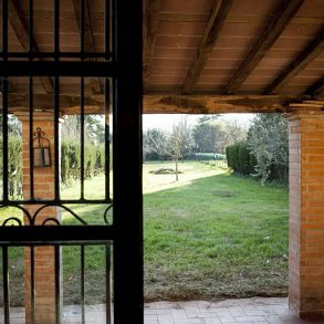 Rustico con 3 camere ed ampio giardino