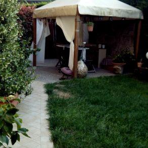 Appartamento al piano terra con giardino su 2 lati