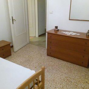Appartamento con 3 camere e balcone tutto arredato