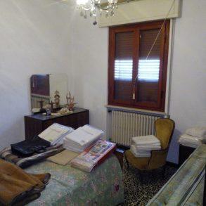 Villa singola, composta da 2 appartamenti, con ampio giardino