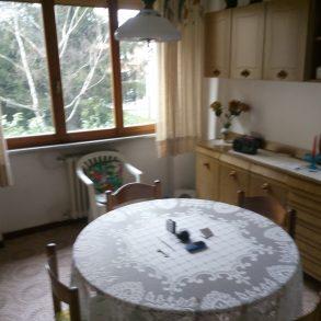 Appartamento con balcone, cantina e garage a S.Anna