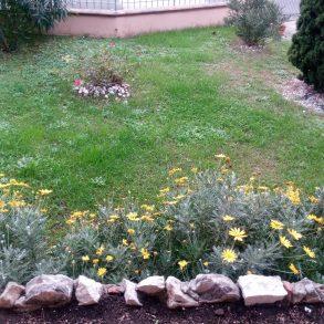 Villa bifamiliare con giardino e garage vicinanze centro