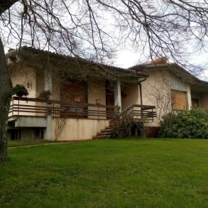 Villa singola con fotovoltaico e pannelli solari