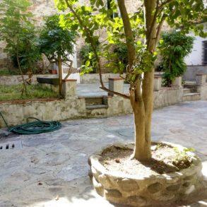 Appartamento con ampia taverna, giardino e garage in centro storico