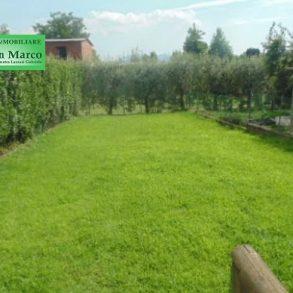 Porzione di terratetto con giardino privato