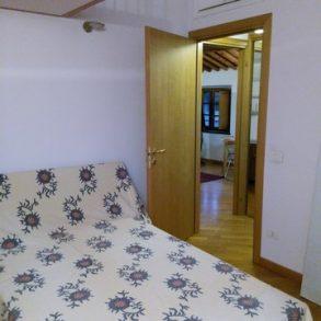 Appartamento mansardato con ascensore in centro