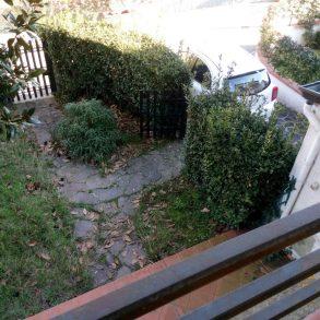 Villa d'angolo con giardino su 3 lati e garage