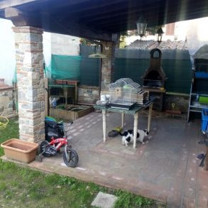 Terratetto con pergolato garage e giardinetto