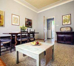 Villa bifamiliare con giardino su 3 lati