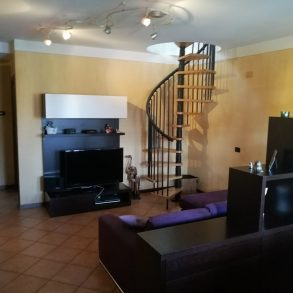 Appartamento  con ampia mansarda ben praticabile