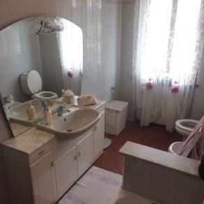 Appartamento ben ristrutturato in trifamiliare