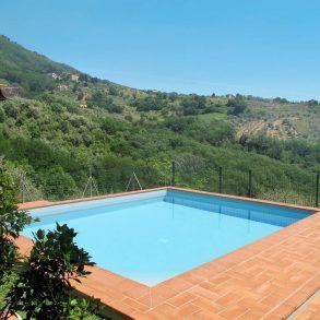 Casa colonica con piscina, terreno e stupenda vista