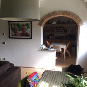 Casale ristrutturato a rustico con giardino privato