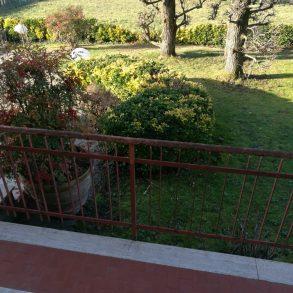 Villa singola con giardino sui  4 lati