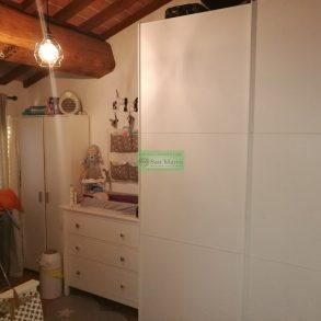 Appartamento mansardato, ristrutturato a rustico