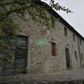 Casa colonica in pietra con vista panoramica