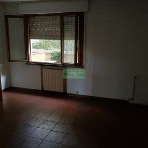 Appartamento con cantina, garage e 2 balconi vicino mura