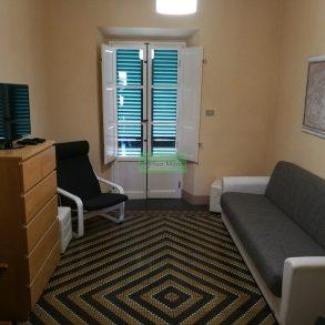 Grande appartamento con ampia terrazza