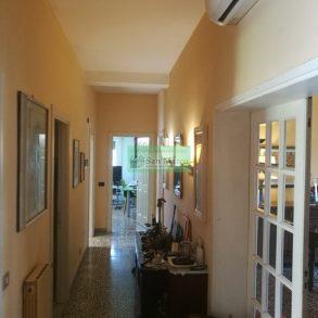 Grande appartamento con garage e giardino