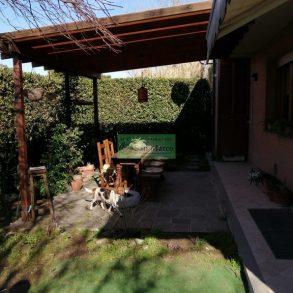 Appartamento con ampio giardino vicino centro