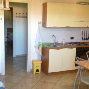 Appartamento con soppalco e resede recintata
