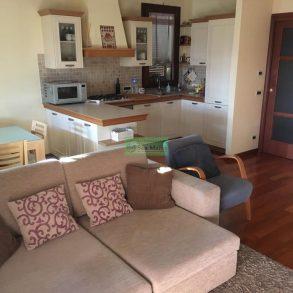 Appartamento con ampia terrazza e mansarda