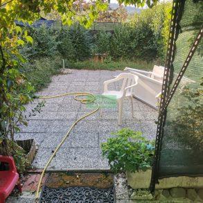 Ampio terratetto d'angolo con giardino e garage